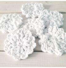 Horgolt pamut arctisztító korongok fehér virág