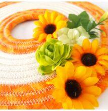 Tavaszi narancsos ajtódísz virágos