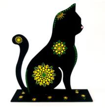 Sárga-zöld pontfestett fa cica